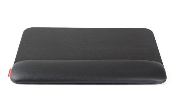 Zwarte, leren, ergonomische polssteun voor toetsenbord: de ErgoPols Classic van Ergonomique