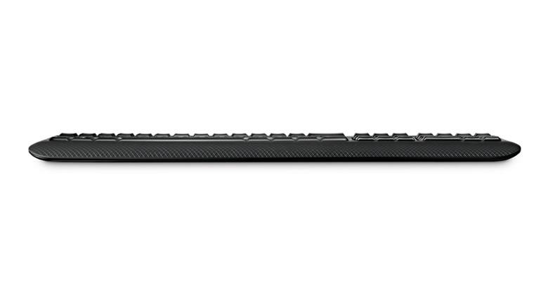 achter aanzicht van het microsoft wireless comfort desktop 5000 toetsenbord
