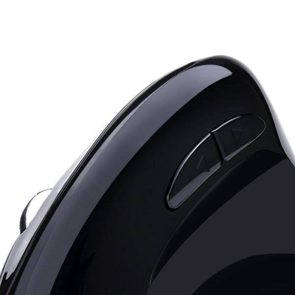 knoppen van de Spire Archer 8 ergonomische draadloze muis.